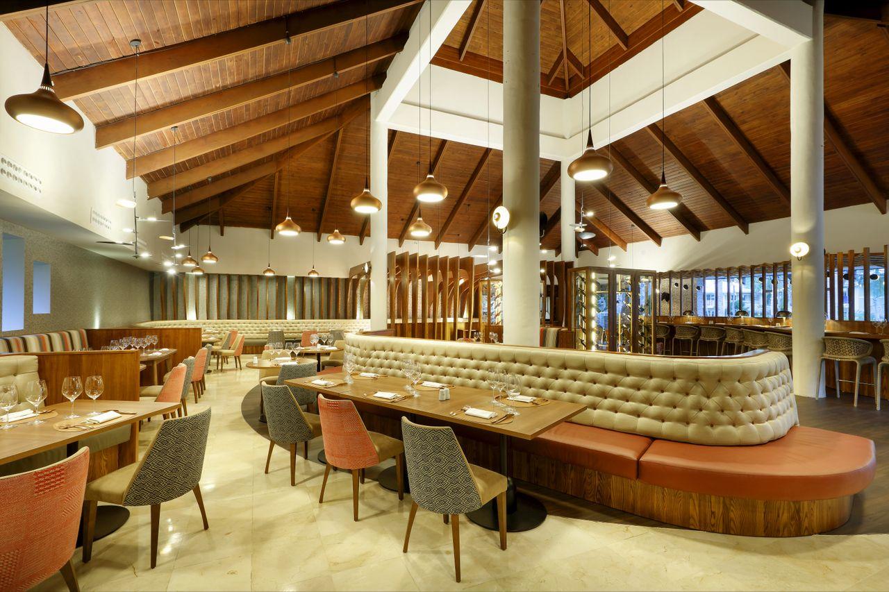 Gastronomy Grand Palladium Palace Resort Spa & Casino