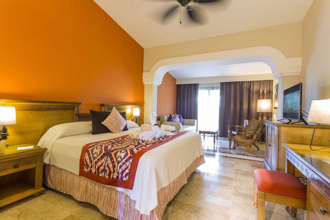 Official Page - Riviera Maya Grand Palladium Colonial Resort and Spa