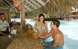 Grand Palladium Punta Cana Resort & Spa_Swim up Bar