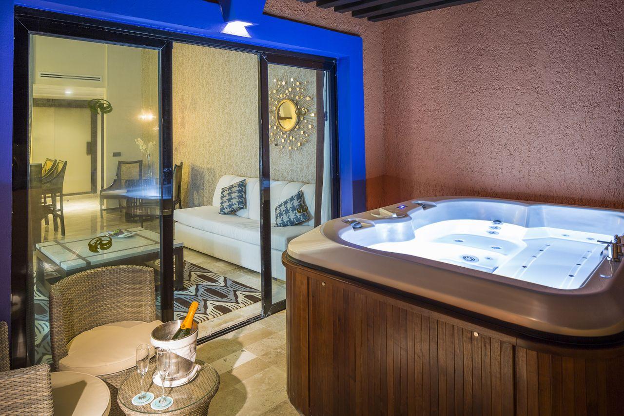 Official Page Riviera Maya Grand Palladium Colonial Resort And Spa