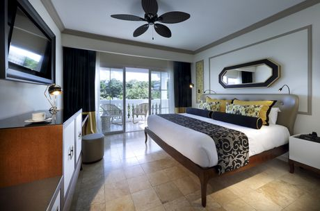 Suite Grand Palladium Lady Hamilton Resort Amp Spa